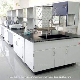 Nội thất phòng thí nghiệm nghiên cứu